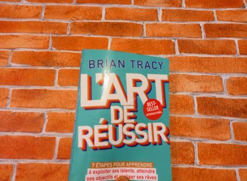 Livre du célèbre auteur, Brian Tracy. Il nous livre des secrets sur l'art de réussir sa vie, et ce qu'on entreprend.